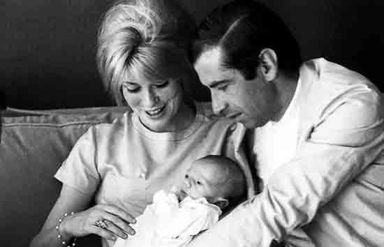 Какой режиссер стал отцом сына Катрин Денев и дочери Джейн Фонды