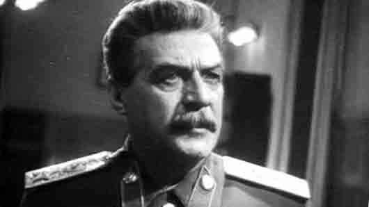 Кого дважды удостоили Сталинской премии за роль Сталина в кино