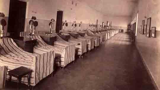 Общая спальня в пажеском корпусе. Ответы № 50